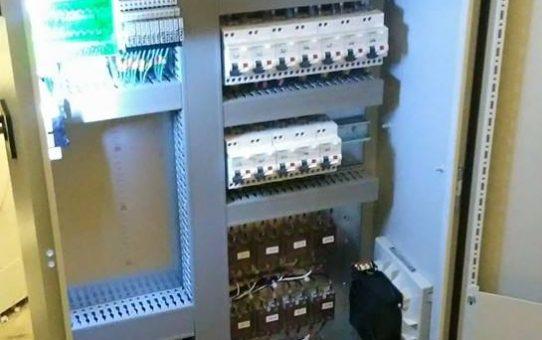 Réalisation et mise en service d'une armoire électrique de régulation de températures