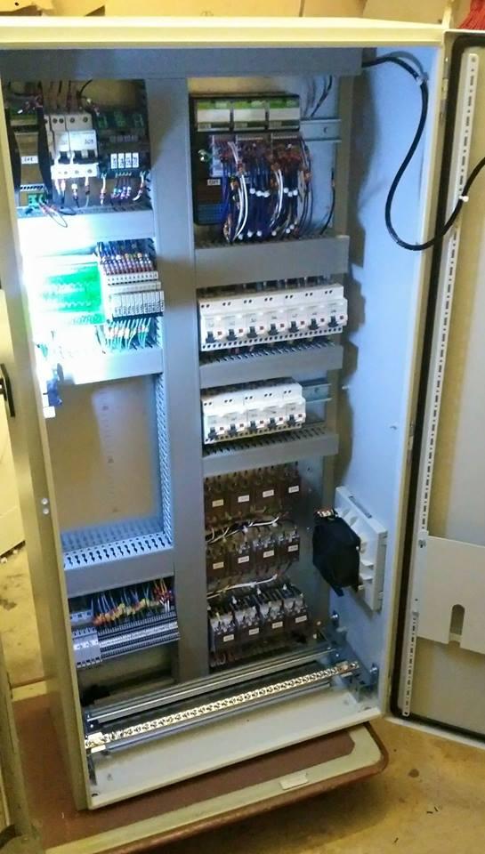Armoire électrique de régulation